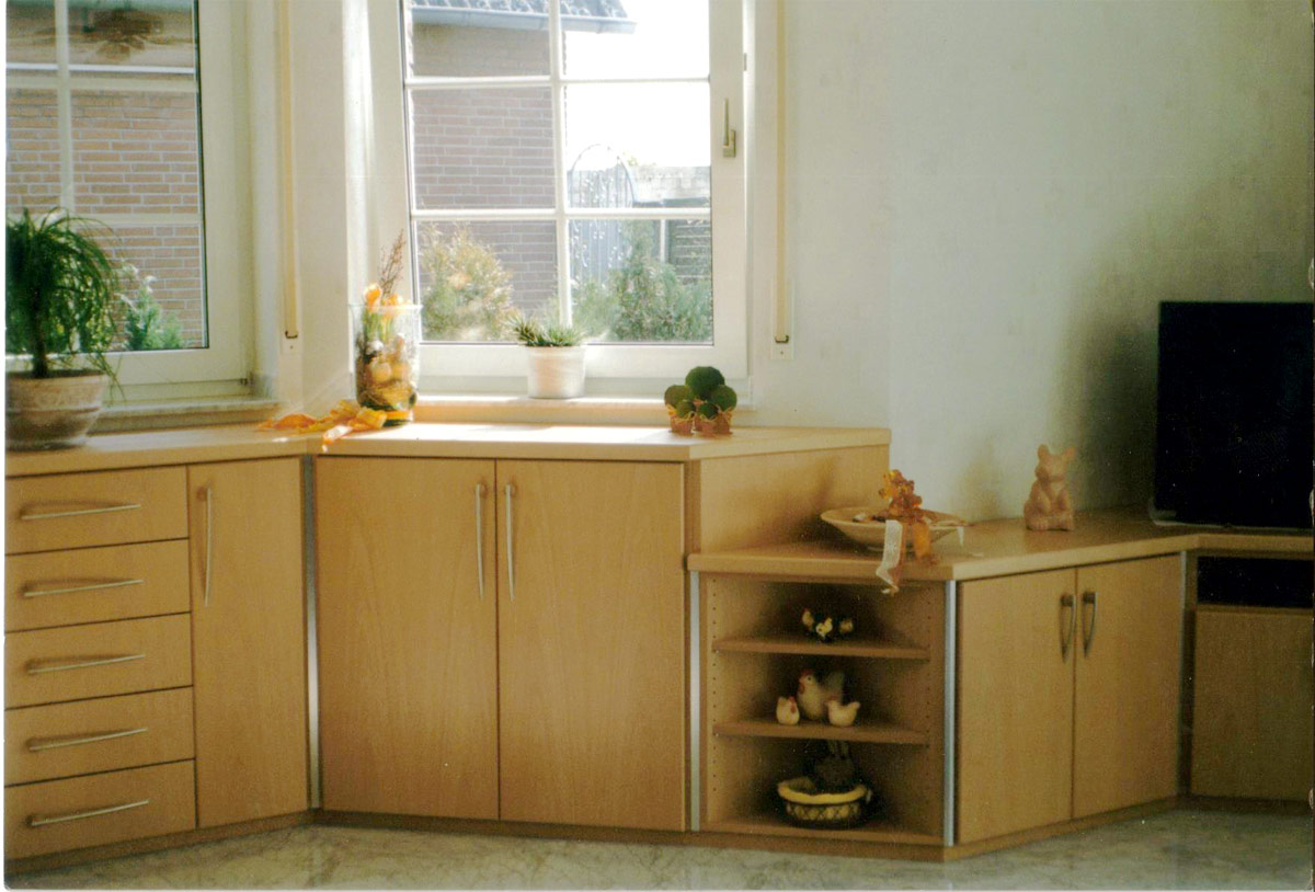 wohnzimmerschrank-1